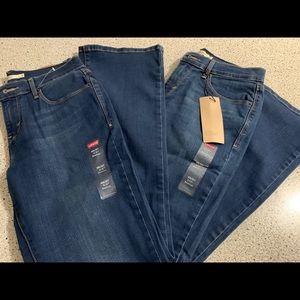 Women Levi's Jeans
